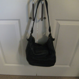 THE SAK SHOULDER BLACK LEATHER PURSE M